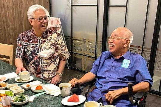 Perdana Menteri Malaysia temui mentor politiknya
