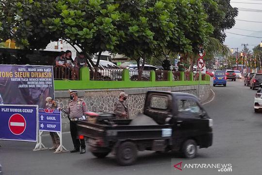 Polres Cianjur masih terapkan ganjil-genap di jalur Puncak