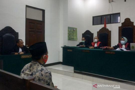 Mantan kades divonis dua tahun penjara karena korupsi bantuan COVID-19
