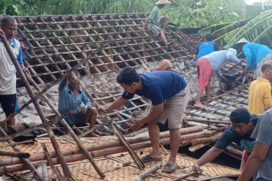 Empat desa di Kabupaten Kudus dilanda puting beliung