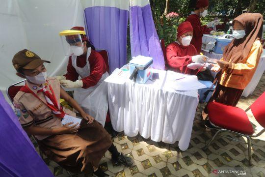 Penerima dua dosis vaksin COVID-19 di Indonesia capai 67,17 juta orang