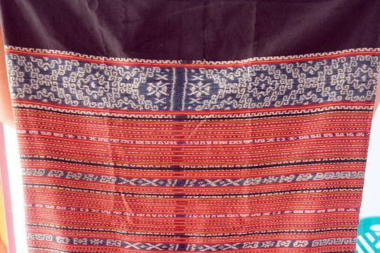 Tradisi menenun di Kisar berkaitan dengan seni cadas purba