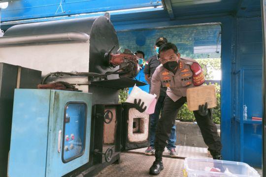 Polres Jakbar musnahkan 299 kg ganja dari hasil tangkapan dua bulan