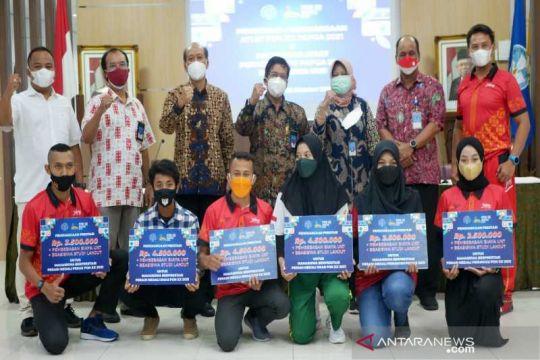 UNS berikan bonus kepada mahasiswa peraih medali PON XX Papua