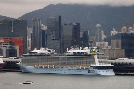 Hong Kong tahan kapal pesiar karena ABK positif COVID-19