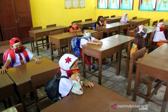 Disdik Pekanbaru hentikan proses belajar dua sekolah langgar prokes