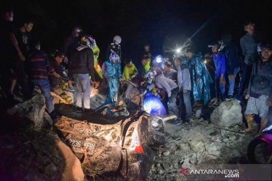 Empat orang meninggal akibat longsor di Sibolangit