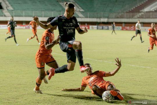 Arema FC kalahkan Persiraja Banda Aceh 2-0