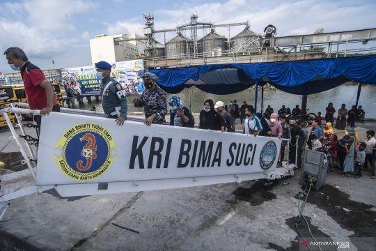 Open ship KRI Bima Suci di Cilacap