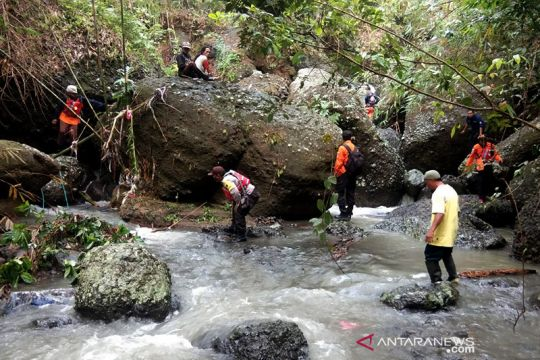 Basarnas Cilacap cari warga tenggelam di Sungai Sampang Kebumen