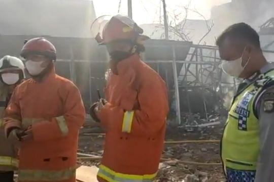 60 kios di Pasar Kalideres Jakarta Barat ludes terbakar