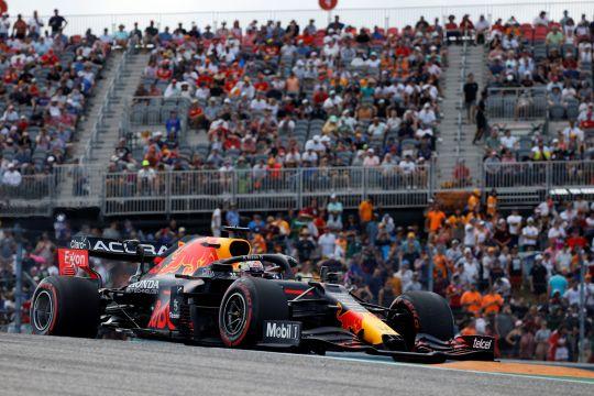 Verstappen kalahkan Hamilton demi klaim pole GP AS