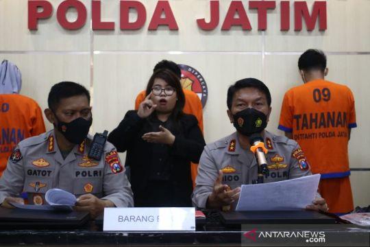 Polda Jatim bekuk tiga penagih dari perusahaan pinjol ilegal