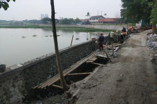Cegah banjir, Pemkab Tangerang normalisasi aliran sungai