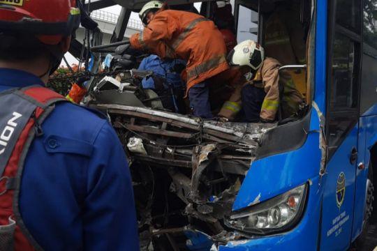 RS Polri masih rawat lima orang korban luka kecelakaan TransJakarta