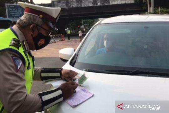 Polisi belum kenakan tilang dalam penerapan ganjil-genap di Fatmawati
