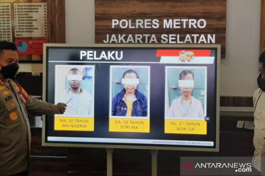 Kriminal kemarin, kasus penipuan WNA hingga nasi kotak beracun