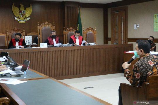 Azis bantah fasilitasi Rita Widyasari untuk temui Robin Pattuju