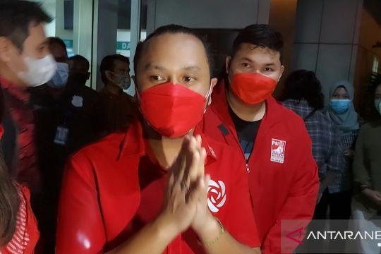 Pengurus PSI Jakarta mengikuti proses hukum kasus nasi kotak di Koja
