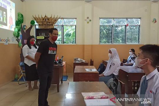 Nadiem tinjau pelaksanaan pembelajaran tatap muka di Medan