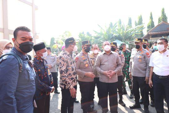 Ketua KPK RI tinjau vaksinasi pelajar dan lansia di Sidoarjo
