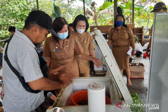 Pemkab Sintang salurkan beras cadangan untuk korban banjir