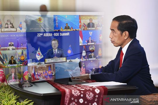 Jokowi harap ASEAN jadi lokomotif stabilitas kawasan