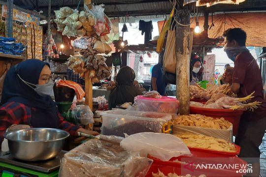 Pemkot Jaksel pantau tren harga bahan pokok di pasar tradisional
