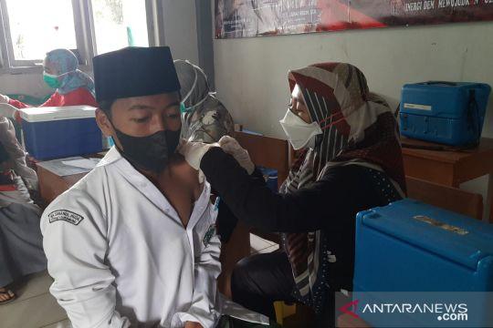 Giliran santri menjadi target sasaran vaksinasi Polres Sukabumi Kota
