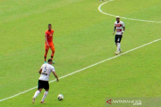 Madura United taklukkan Persiraja 2-1