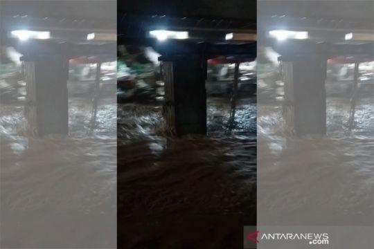 Banjir melanda sejumlah wilayah Banyumas dan Cilacap