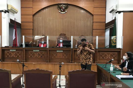 Majelis hakim tunda pembacaan vonis Jumhur sampai 11 November
