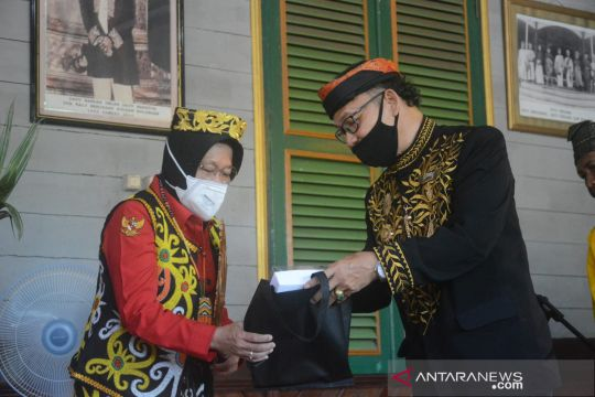 Risma dianugerahi gelar Adji Nasyrah Maliha dari Kesultanan Bulungan