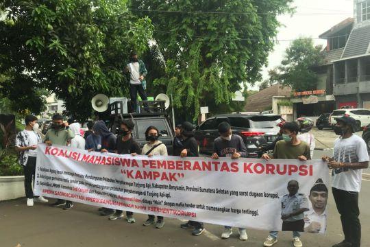 Kejagung diminta usut dugaan korupsi Pelabuhan Tanjung Api Api