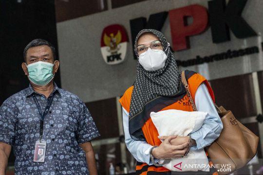 Bupati nonaktif Probolinggo Puput Tantriana Sari diperiksa KPK