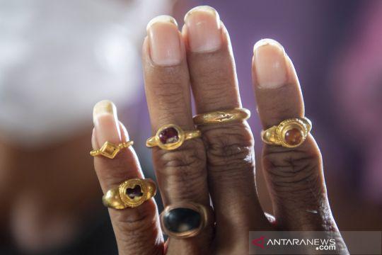 Penemuan emas yang diduga peninggalan kerajaan Sriwijaya