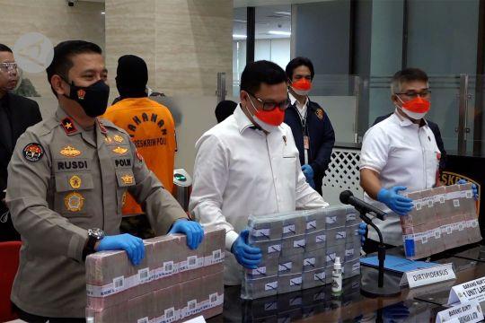 Polisi amankan Rp 20,4 M dari pinjol ilegal