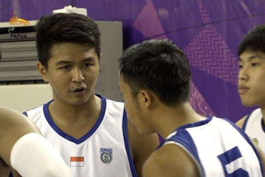 Satpam sekolah, pelatih pertama Kapten Tim Bola Basket Jateng