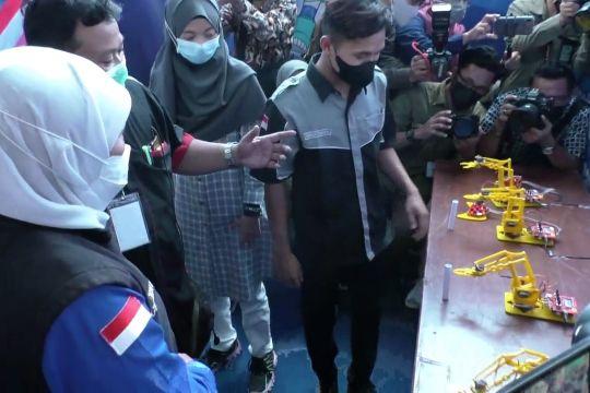 Khofifah ajak siswa SMK sampaikan pesan kebesaran Indonesia
