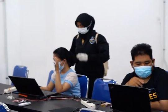 Polda Jatim gerebek perusahaan pinjol ilegal di Surabaya