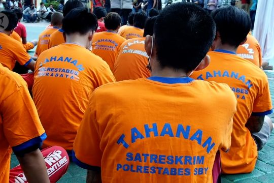 Polisi Surabaya berantas kejahatan seiring landainya kasus COVID-19