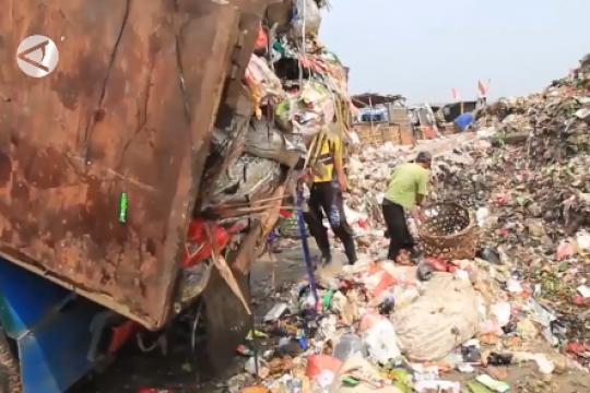 TPA Rawa Kucing penuh, DLH Kota Tangerang jemput sampah warga