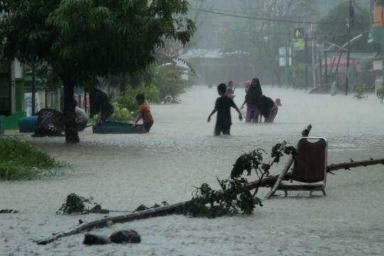 Cegah bencana, TNI minta warga tidak menebang pohon
