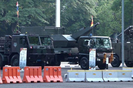 HUT ke-76, TNI pamerkan ratusan alutsista