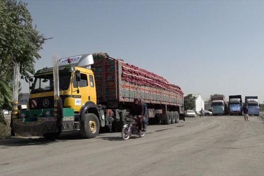 Konvoi truk kargo berangkat dari Afghanistan menuju Eropa