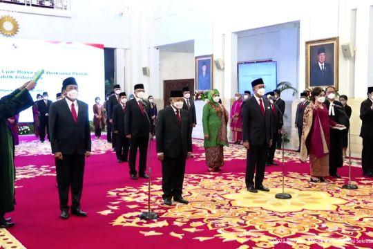 Presiden Jokowi lantik 17 Duta Besar LBBP RI