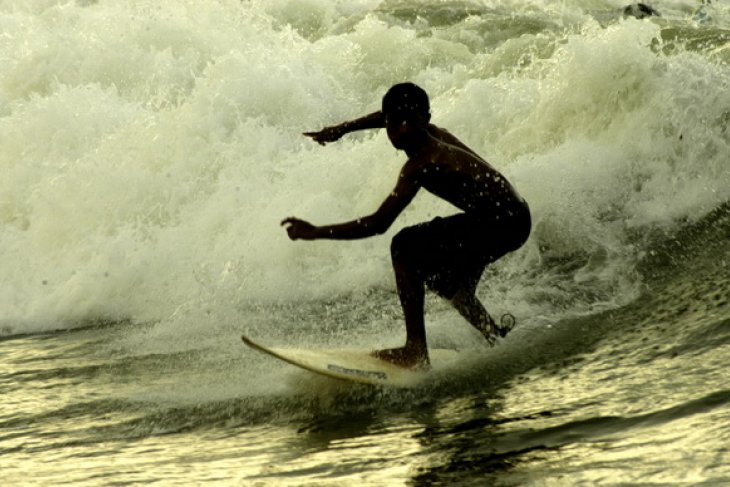 Wisatawan Australia tewas di pantai Suluban