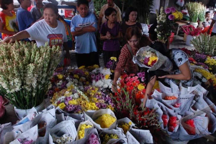 Pedagang bunga sedap malam di Bandung raup untung