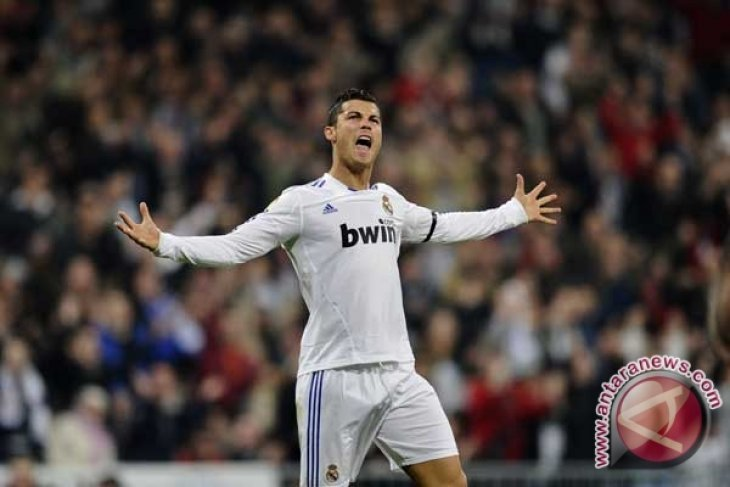 "Pacar Cristiano Ronaldo tampil ""hot"""