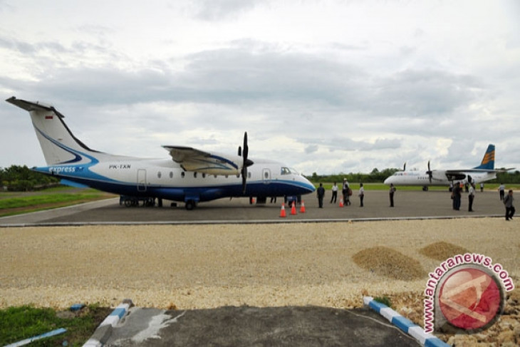 Bandara Baubau renovasi tempat parkir pesawat